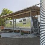 แบบบ้านดัดแปลง ใกล้ริมชายฝั่งแม่น้ำ คลาสสิคไปกับห้องตู้รถไฟอันเป็นเอกลักษณ์
