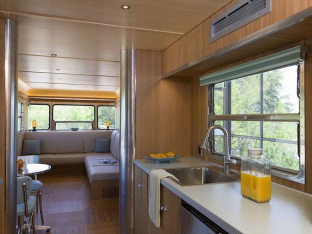 22 train-refurnished-plain-house-near-the-river (6)_resize