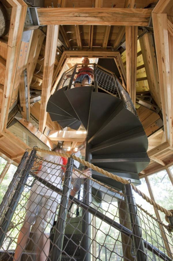Timber Lakefront Treehouse (4)