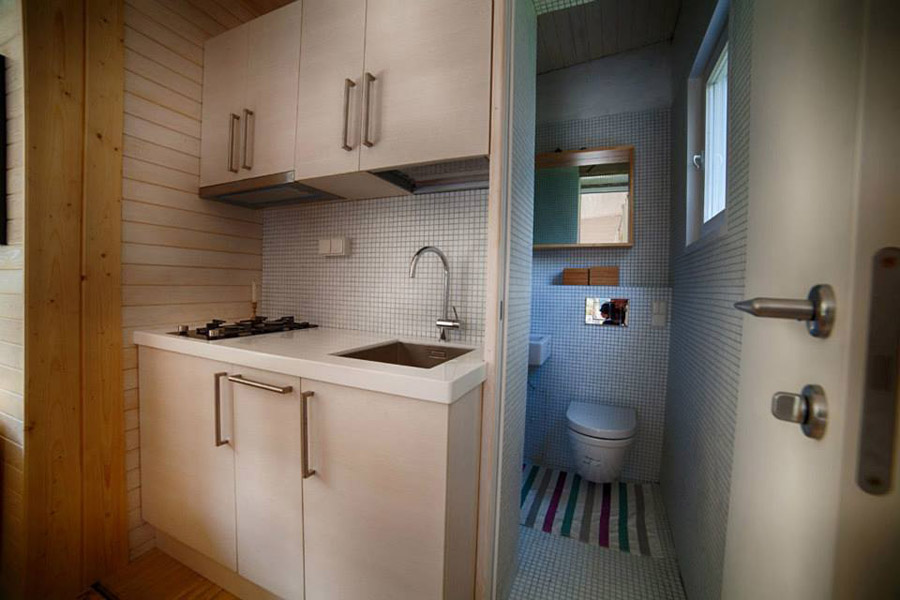 compact mobile white cottage (4)