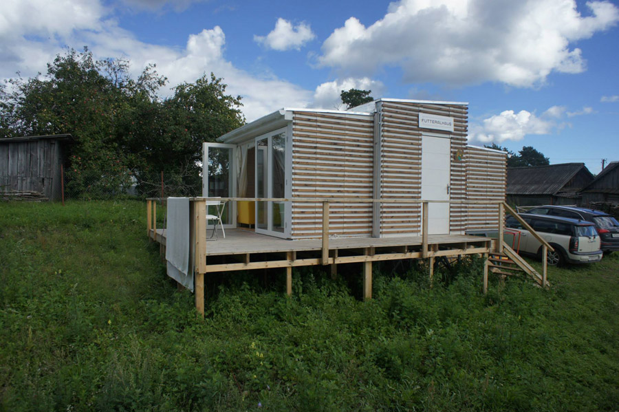 compact mobile white cottage (8)