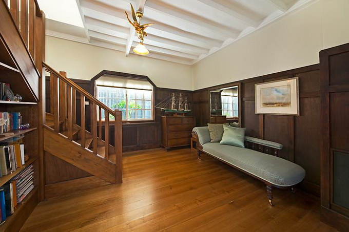 contemporary 2 storey wooden floor house (3)