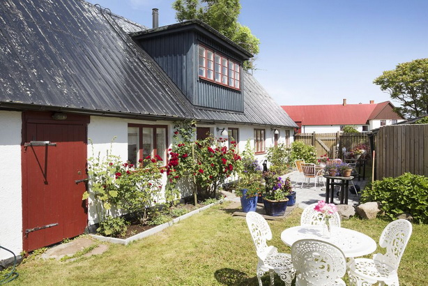 country-cottage-big-happiness-in-limited-area (1)