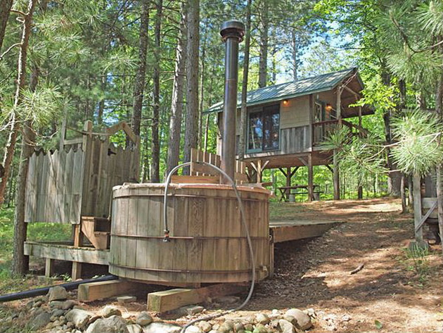 eau-claire-river-tiny-house-1_resize