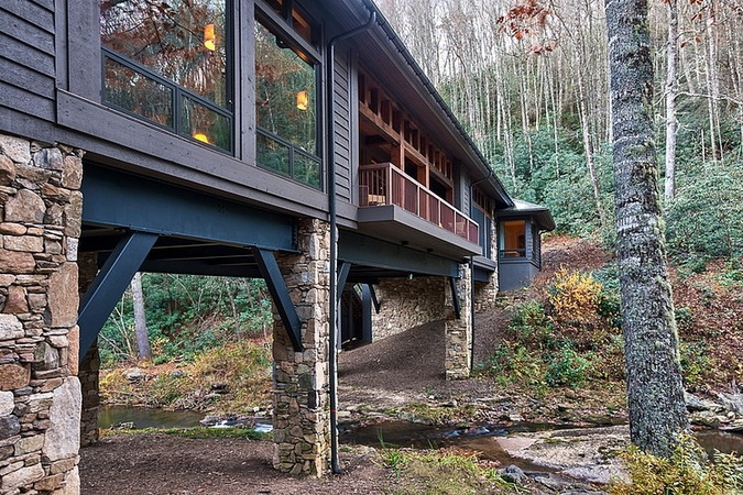 humble-tone-bridge-house-in-forest (12)