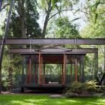เกสต์เฮาส์สไตล์ญี่ปุ่น เน้นความปลอดโปร่งด้วยผนังกระจก แถมใกล้ชิดกับธรรมชาติ