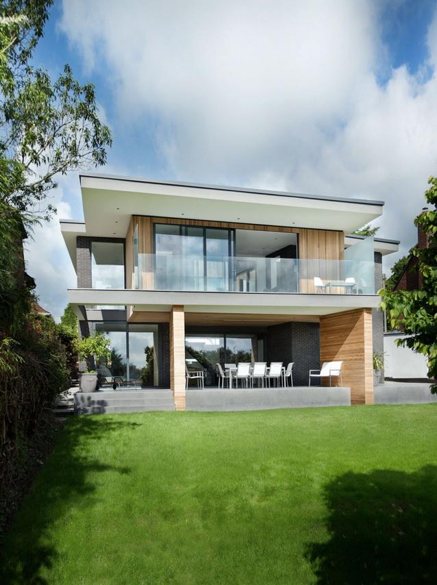 modern house under nature circumstance with zen garden (1)