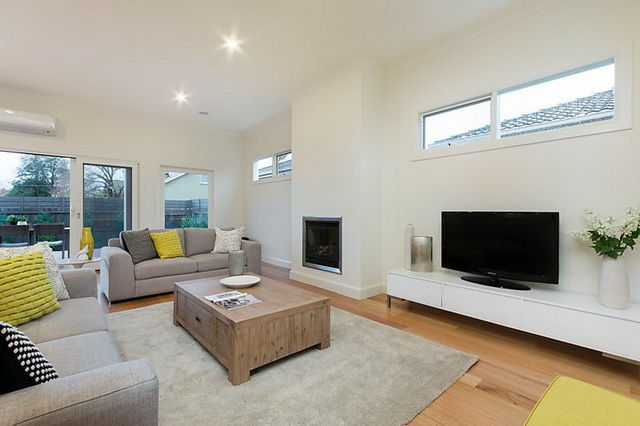 plain-cottage-white-house (6)