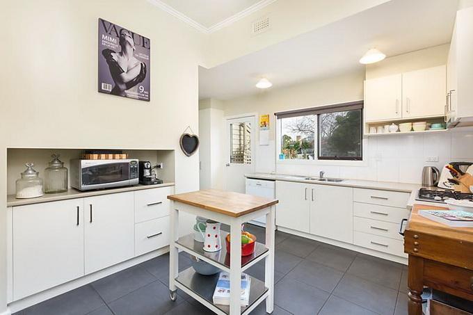 rural-cozy-convenient-comfort-cottage (9)