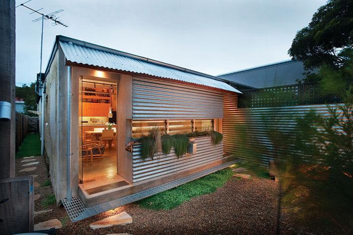 small modern loft house with zen garden (2)