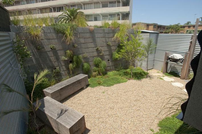 small modern loft house with zen garden (8)