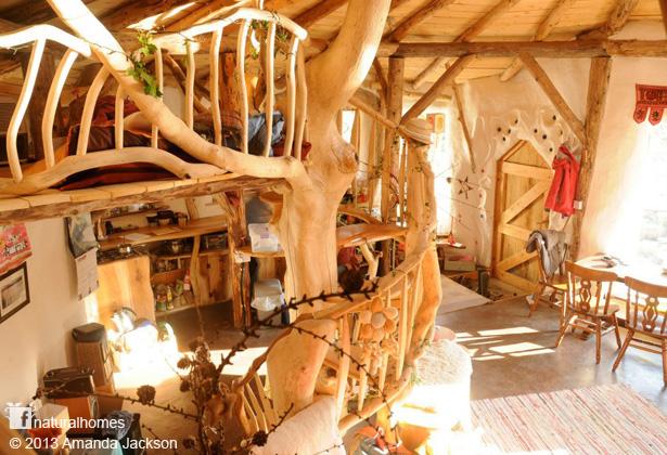 wooden-interior-earthen-house (5)