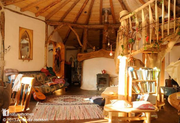 wooden-interior-earthen-house (6)