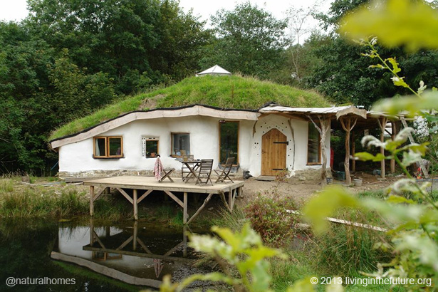 wooden-interior-earthen-house 7