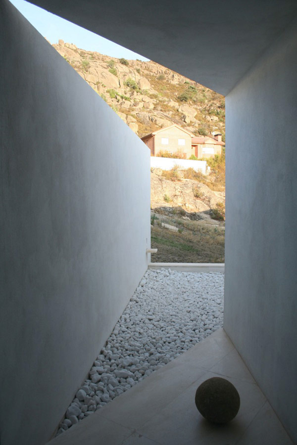modern-residence-El-Viento-6