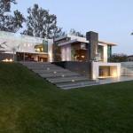 Summit House บ้านสามชั้นสุดหรู ใจกลางย่านไฮโซของเมืองลอส แองเจอลิส