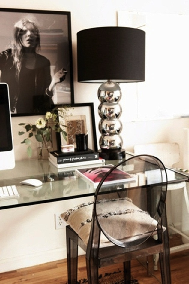Design-Inspiration-15-Creative-Uses-of-Lucite-Furniture-16