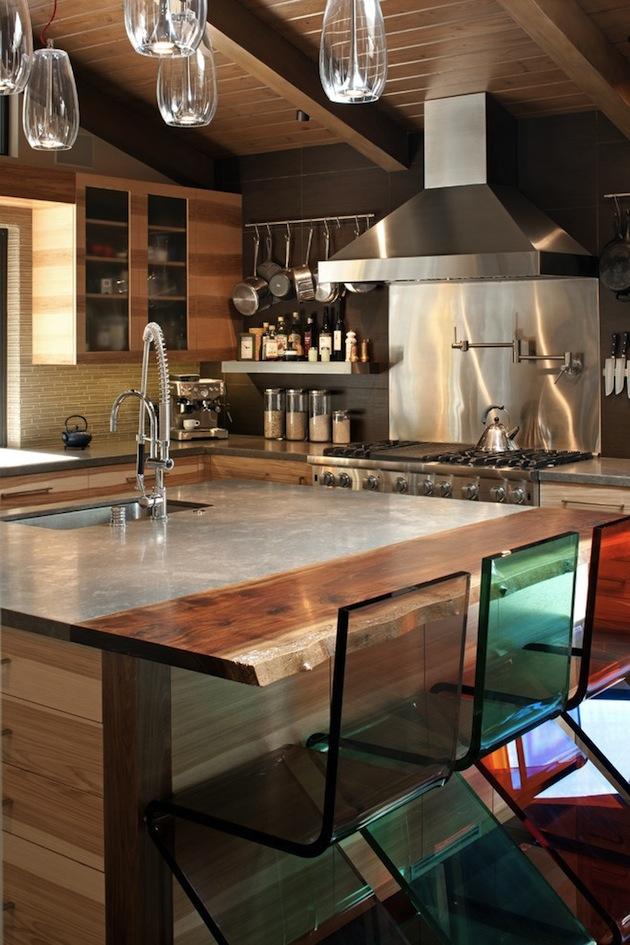 Design-Inspiration-15-Creative-Uses-of-Lucite-Furniture-7