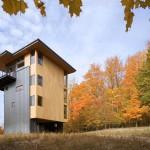 แบบบ้าน 4 ชั้นไอเดียแหวกแนวจากเหล็กและไม้ กลางป่าใหญ่ริมทะเลสาบ