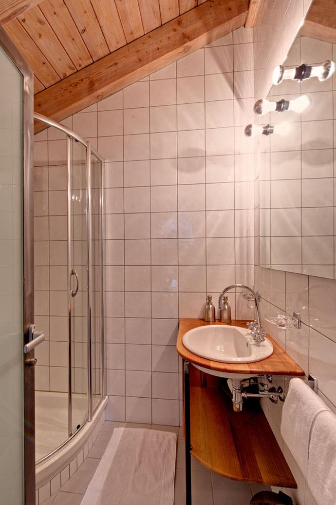 Heinz-Julen-Penthouse-Chalet_designrulz-7