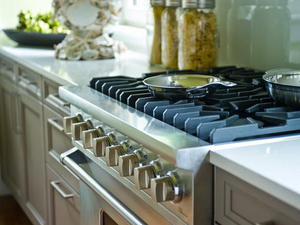 Kitchen-of-HGTV-Dream-Home-2013_03