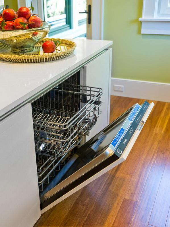 Kitchen-of-HGTV-Dream-Home-2013_13