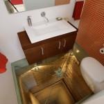 ห้องน้ำที่ชวนหวาดเสียวที่สุดในโลก ใช้พื้นจากกระจกใสบนตึก 15 ชั้น
