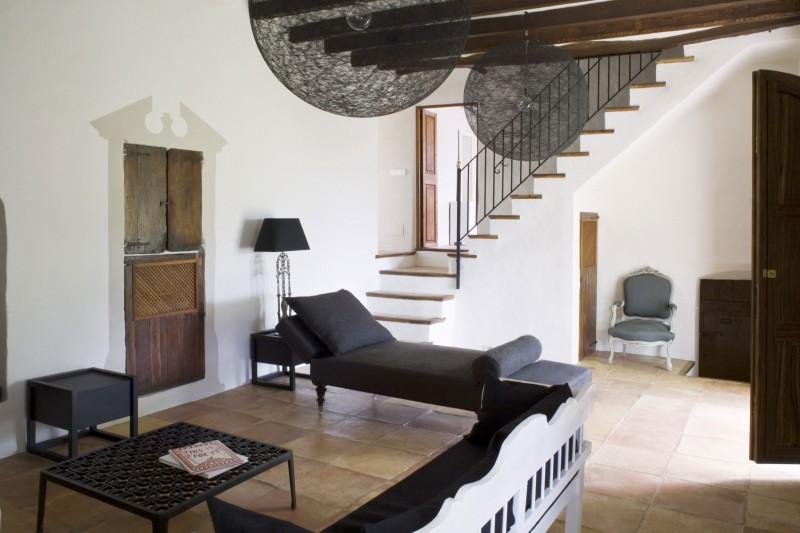 Rustic-House-La-Finca-by-UXUS-09