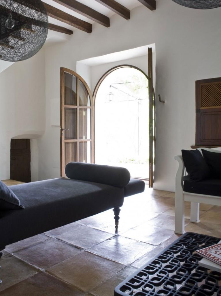 Rustic-House-La-Finca-by-UXUS-10-767x1024