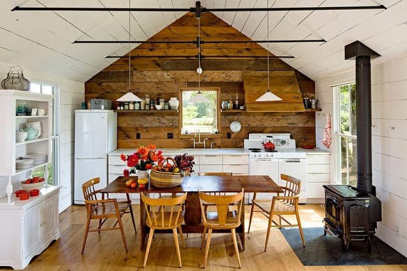 Tiny-House-by-Jessica-Helgerson-Interior-Design-2-585x390