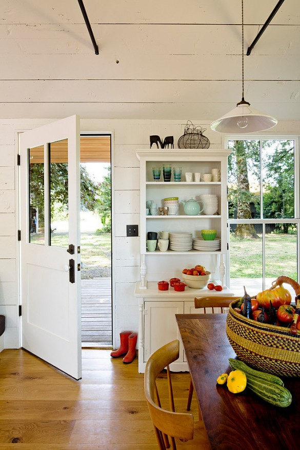 Tiny-House-by-Jessica-Helgerson-Interior-Design-8-585x877