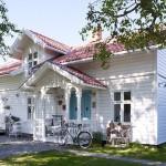 เปลี่ยนกระท่อมเก่ามรดกจากคุณตา ให้เป็นบ้านสีขาวอบอุ่นน่าอยู่อาศัย