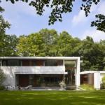 ไอเดียแบบบ้าน 2 ชั้นสไตล์โมเดิร์น เน้นความโปร่งใส กลางธรรมชาติสีเขียวในผืนป่า