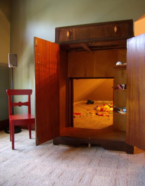 secret_playroom_01