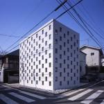 บ้านกลางเมืองญี่ปุ่น รูปตึกสามชั้นลวดลายประหลาด พร้อมการตกแต่งภายในน่าทึ่ง