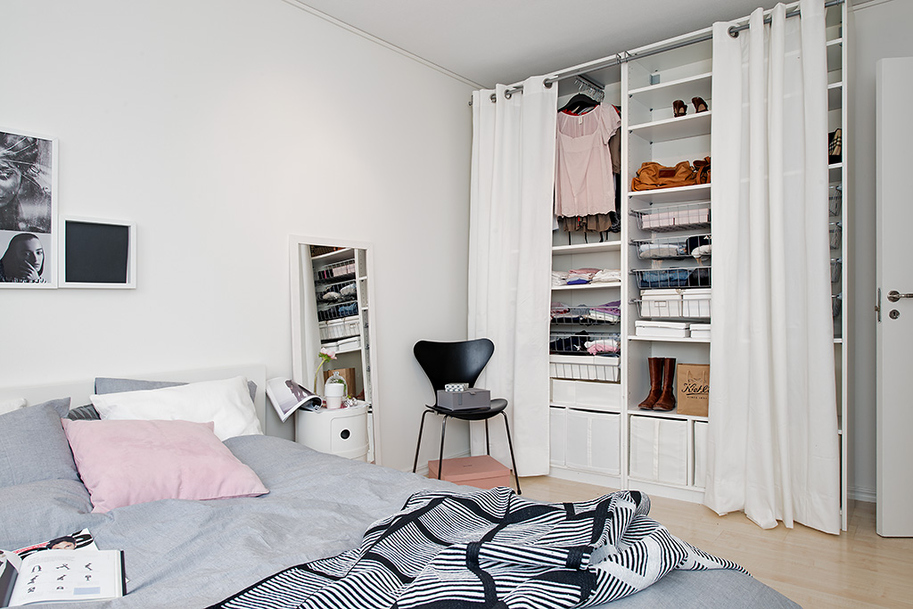Crowded-Bedroom