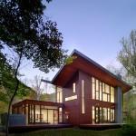 เติมเต็มธรรมชาติให้ชีวิต ด้วยแบบบ้านไม้สองชั้น กลางป่าใหญ่อันร่มรื่น