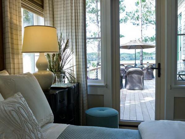 Master-Suite-Bedroom-of-HGTV-Dream-Home-2013_04