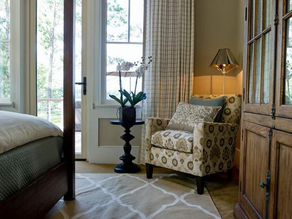 Master-Suite-Bedroom-of-HGTV-Dream-Home-2013_06