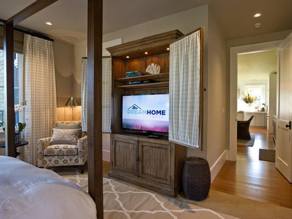 Master-Suite-Bedroom-of-HGTV-Dream-Home-2013_10