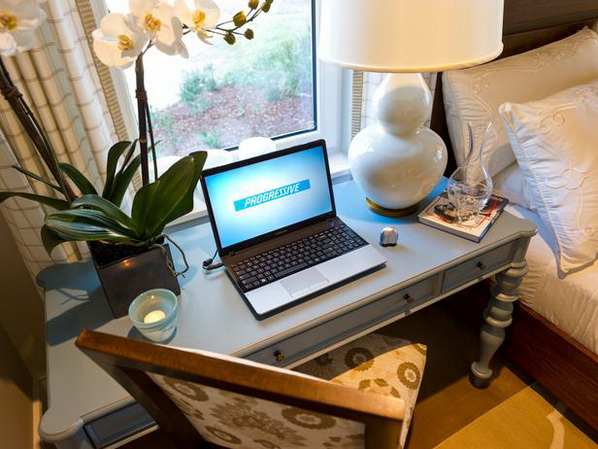 Master-Suite-Bedroom-of-HGTV-Dream-Home-2013_14