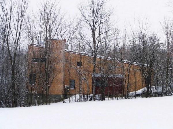 McLeod-House-02-750x562
