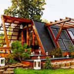 บ้านไม้ขนาดเล็กน่ารัก ออกแบบให้ประหยัดพลังงาน รักษ์สิ่งแวดล้อม พร้อมสวนสวยๆ