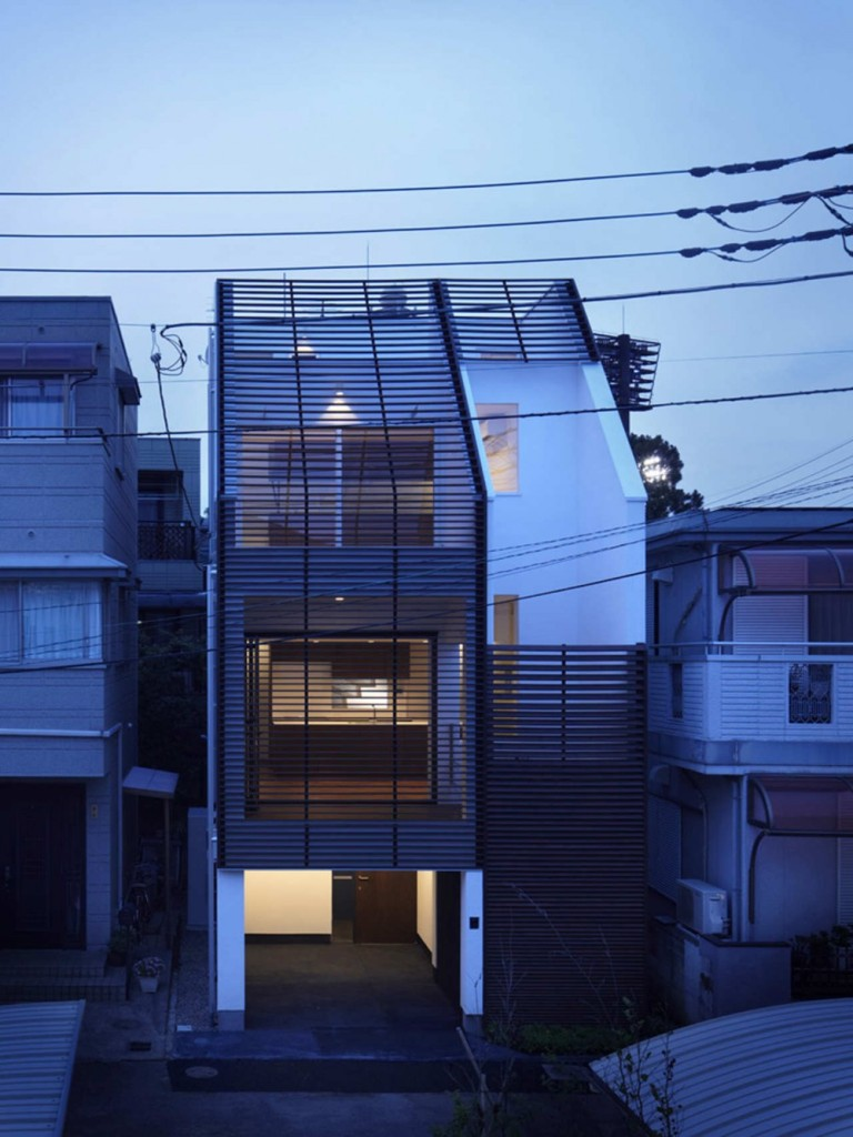 architecture-exterior-IS-House-768x1024