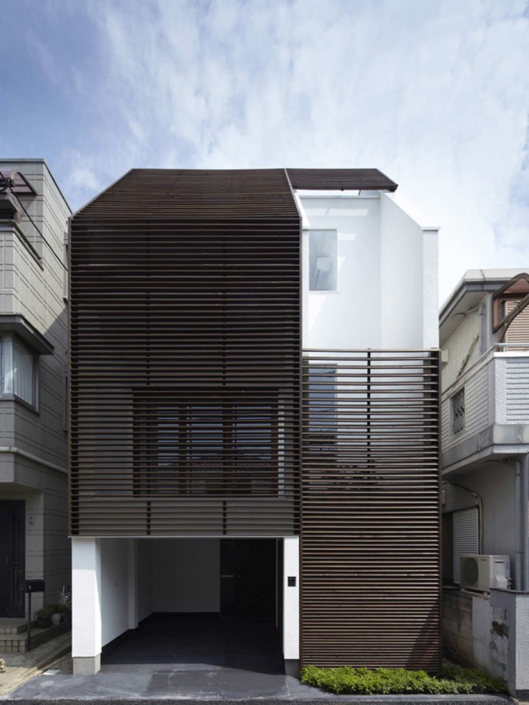 exterior-IS-House-3-768x1024
