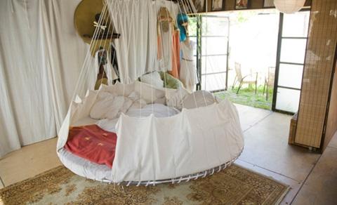 floating-bed-designrulz-2