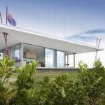 แบบบ้านชั้นเดียวแนวโมเดิร์นริมทะเล ตัวบ้านเปิดโล่งสำหรับชมวิวรอบทิศทาง