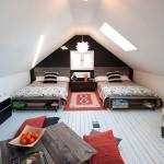 เปลี่ยนห้องใต้หลังคา ให้กลายเป็นห้องนอนขนาดเล็ก แถมยังนอนได้ถึง 3 คน