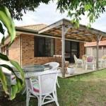 แบบบ้านชั้นเดียวอย่างง่าย ขนาดเล็กกำลังดี มีพื้นที่สวนรอบบ้านไว้ใช้สอย