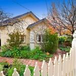 แบบบ้านชั้นเดียวหลังเล็กๆน่ารัก ขนาด 2 ห้องนอน 1 ห้องน้ำ ใช้พื้นที่อย่างคุ้มค่า